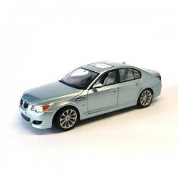 1/18 BMW M5